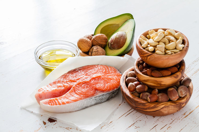 Kwasy omega-3 zmniejszają ryzyko chorób serca /123RF/PICSEL