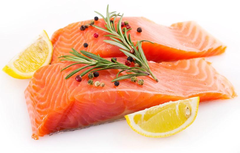 kwasy tłuszczowe w rybach /© Photogenica
