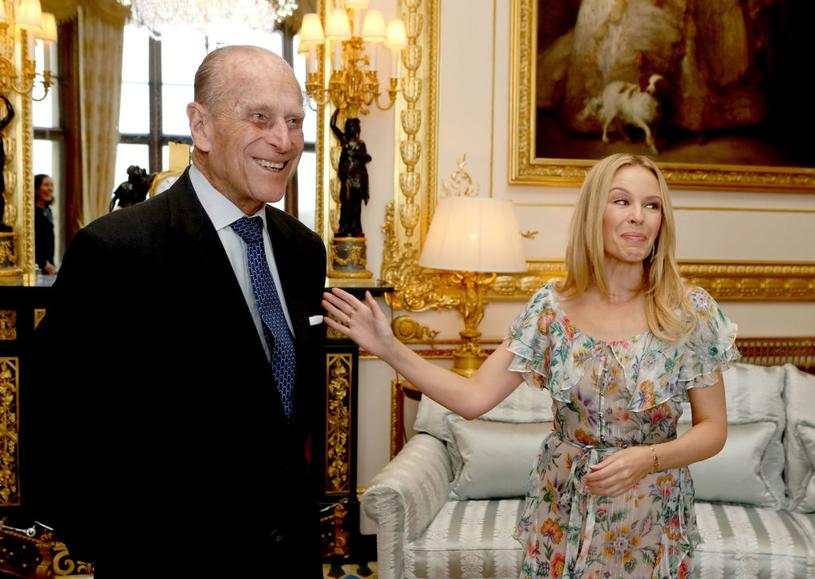 Kylie Minogue jest szanowna przez rodzinę królewską. Brytyjska prasa podejrzewa ją o romans z księciem Andrzejem, synem królowej Elżbiety i księcia Filipa (na zdjęciu) /Getty Images