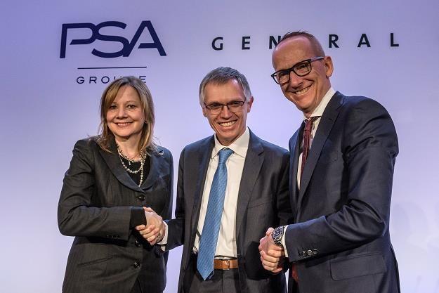 (L-P) Mary Barra, prezes GM, Carlos Tavares, prezes PSA i  Karl-Thomas Neumann, prezes Opla /EPA
