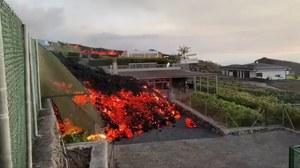 La Palma: Rzeka lawy wlewa się do domów