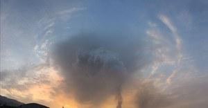 La Palma: Wulkan emituje fale grawitacyjne, gęsta, ciemna chmura nad wyspą