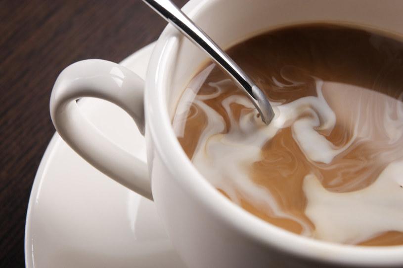 Łączenie kawy z niektórymi produktami może mieć niekorzystny wpływ na nasze zdrowie /123RF/PICSEL