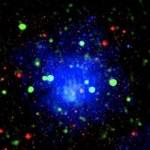 Łączenie się gromad galaktyk wyzwoliło potężną falę uderzeniową