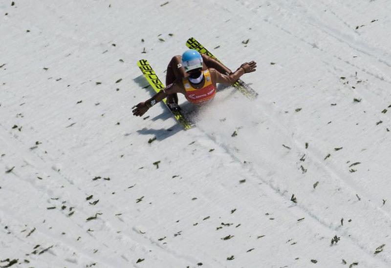 Lądowanie Kamila Stocha po rekordowym locie w Planicy /AFP