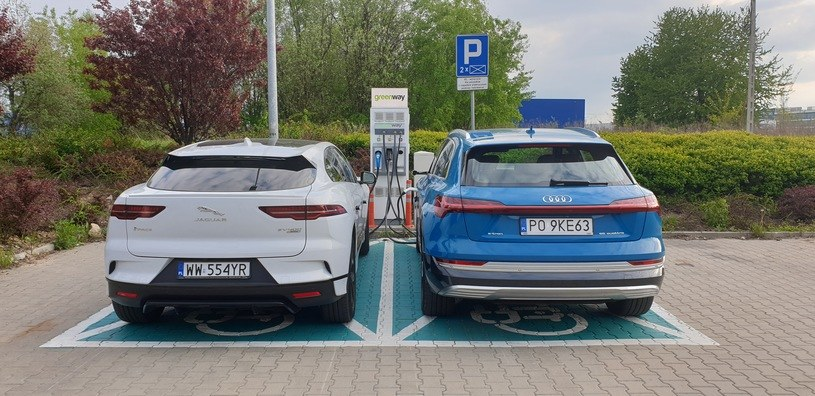 Ładowanie samochodów elektrycznych nie jest tanie, a będzie jeszcze droższe! /INTERIA.PL