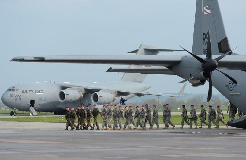 Lądowanie wojsk amerykańskich w Świdwinie /Gerard /Reporter