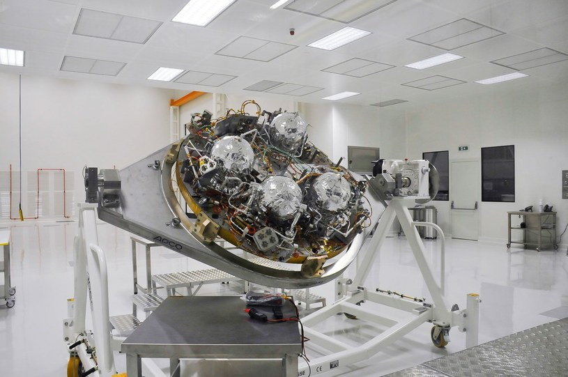 Lądownik Schiaparelli, bez osłon termicznych, w zakładach Thales Alenia Space, rok 2014 /materiały prasowe