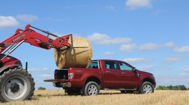 Ładowność Rangera w tej wersji wynosi 1045 kg. Auto może holować przyczepę o masie do 3350 kg. /Motor