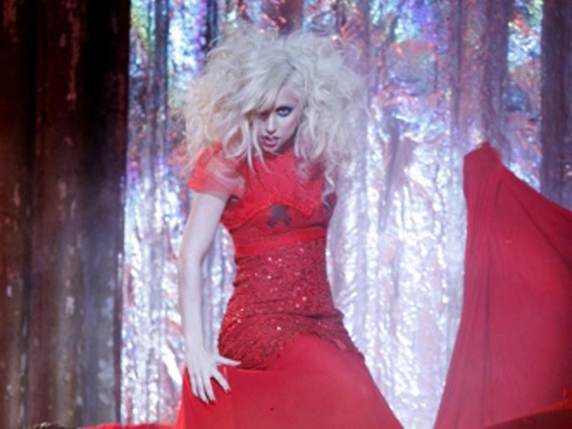 Lady Gaga idzie niczym burza przez świat showbiznesu. /materiały prasowe