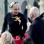 Lady Gaga na inauguracji Joe Bidena. Wyjaśniła, dlaczego wybrała broszkę