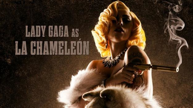 """Lady Gaga na plakacie zapowiadającym film """"Machete Kills"""" /materiały dystrybutora"""