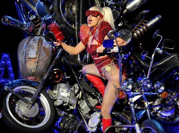 Lady Gaga nie daje o sobie zapomnieć - fot. Kevin Winter /Getty Images/Flash Press Media