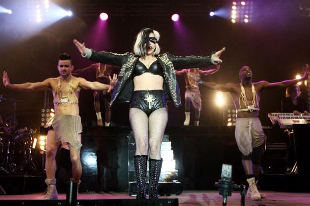 Lady Gaga specjalnie dla babci w szortach /Getty Images/Flash Press Media
