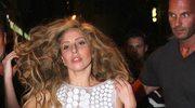 Lady Gaga sztucznie podbija wyniki sprzedaży