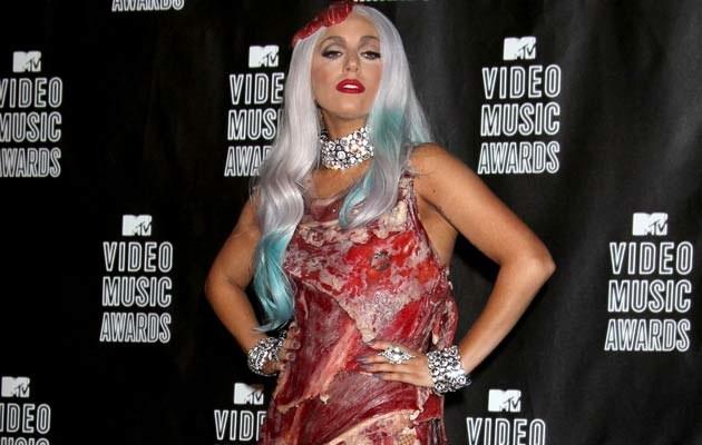 Lady Gaga w mięsnej kreacji  /Splashnews