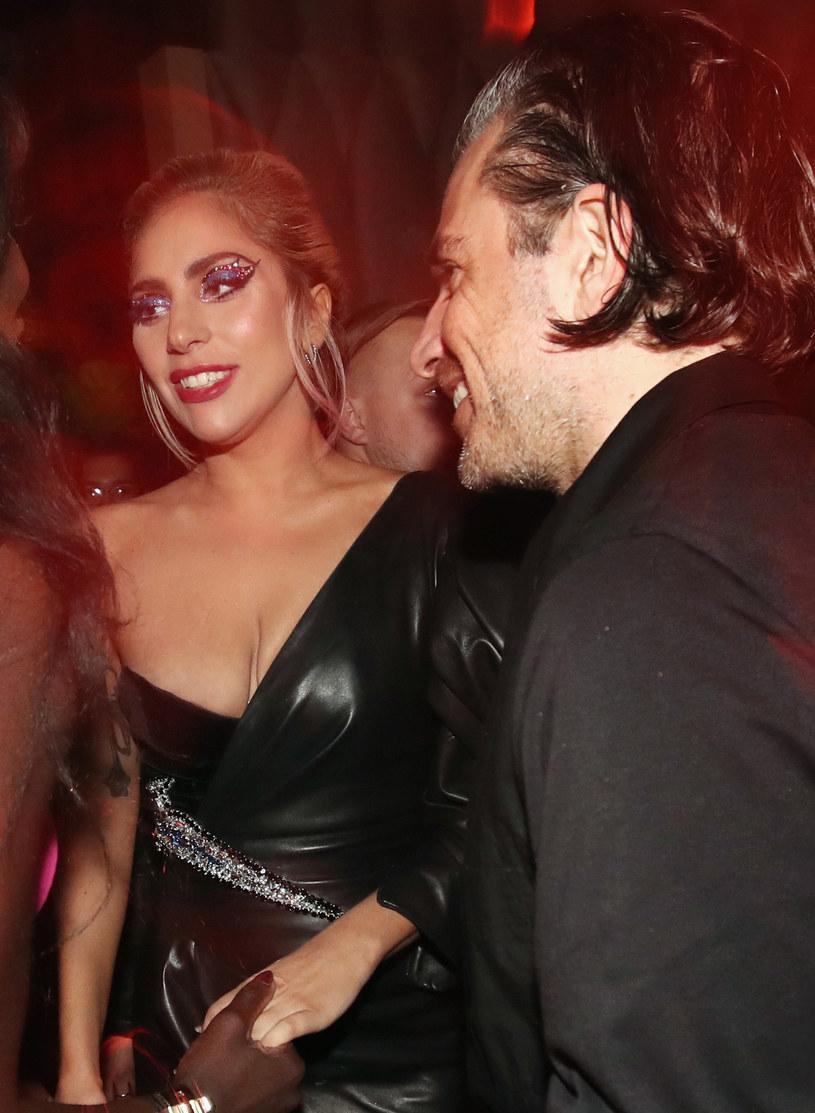 Lady Gaga z narzeczonym /Christopher Polk /Getty Images