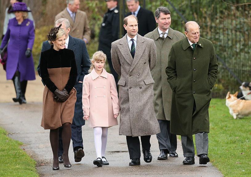 Lady Ludwika Windsor z rodzicami i księciem Filipem /Chris Jackson /Getty Images
