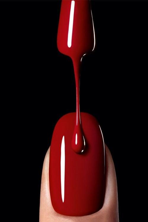 lakier czerwony /© Photogenica