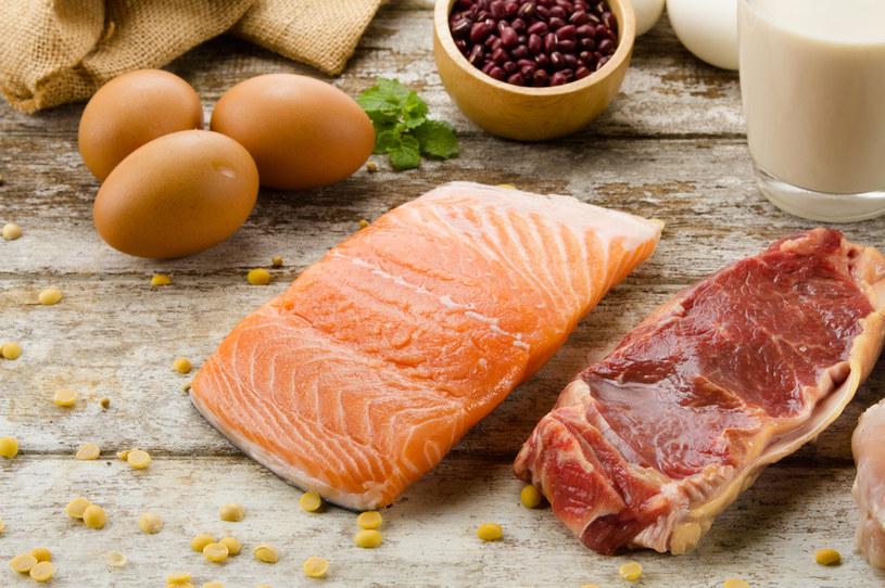 Laktowegetarianizm to dieta pozbawiona mięsa, ryb oraz jajek /123RF/PICSEL