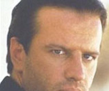 Lambert w thrillerze kostiumowym