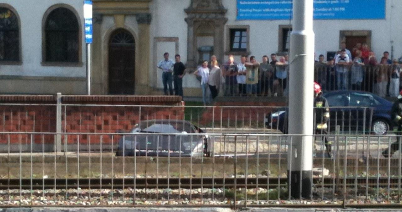 Lamborghini wjechało w ścianę tunelu w centrum Wrocławia