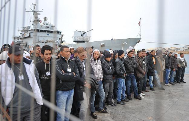 Lampedusa stała się jednym wielkim ośrodkiem dla nielegalnych imigrantów /AFP