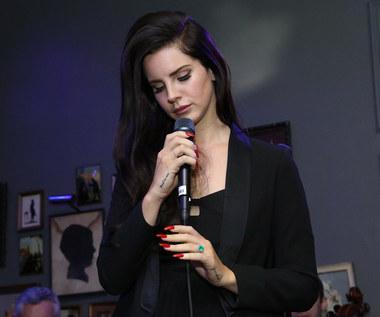 Lana Del Rey atakuje koleżanki z branży. Są zbyt wyuzdane?