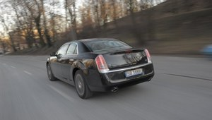 Lancia Thema 3.6 AT8 AWD Executive - test