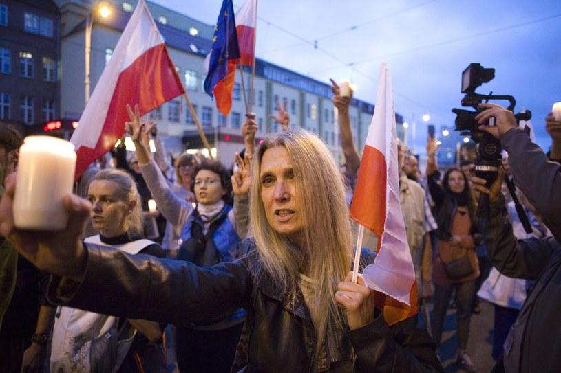 Łańcuch światła w Gdańsku /Krzysztof Mystkowski  /East News