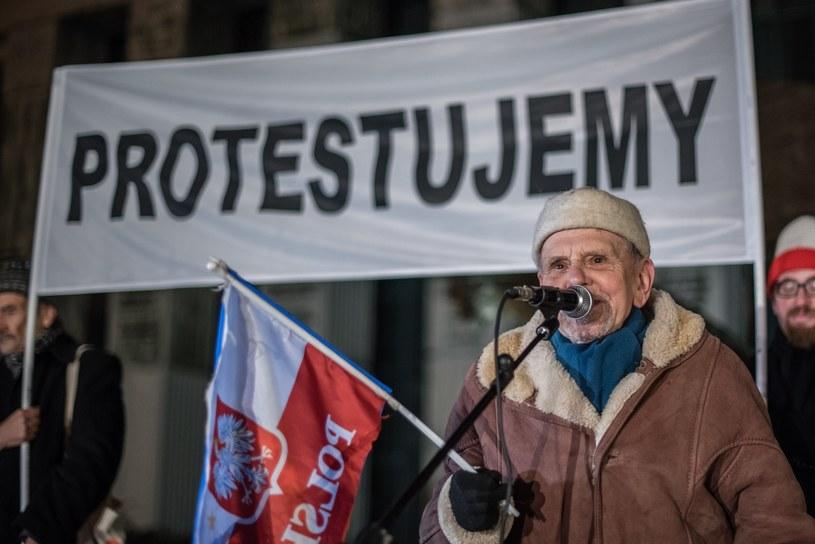 """""""Łańcuch Światła"""" w Warszawie /Stanisław Kusiak /East News"""