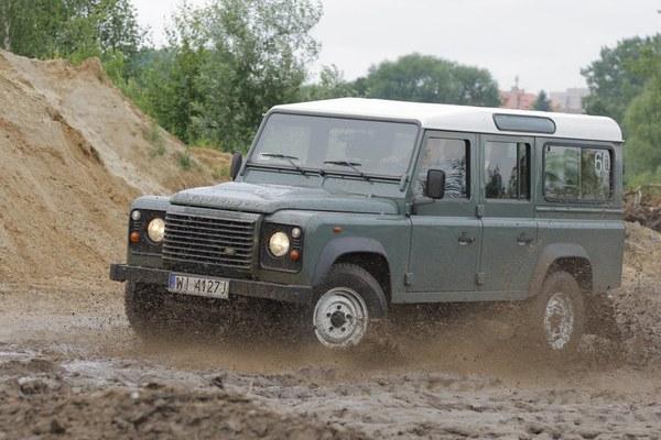 Land Rover Defender (1990-2016)