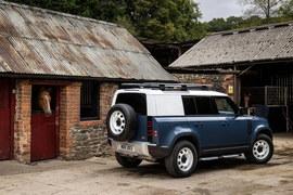 Land Rover Defender w wersji ciężarowej