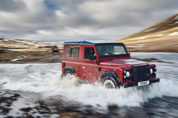 Land Rover Defender Works V8 /Land Rover