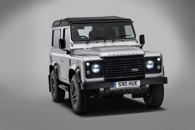 Land Rover Defender /