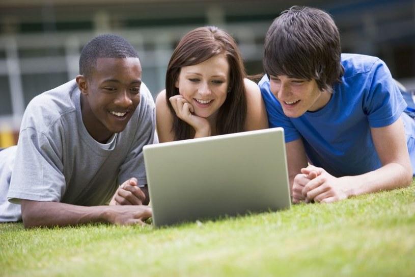 Laptop najważniejszym wyposażeniem studenta /123RF/PICSEL