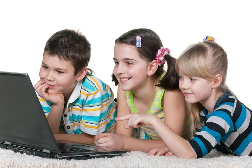 Laptopy wróciły już do dzieci /123RF/PICSEL