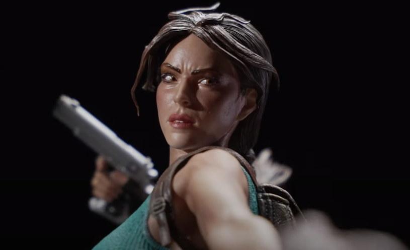 Lara Croft - fragment figurki /materiały prasowe
