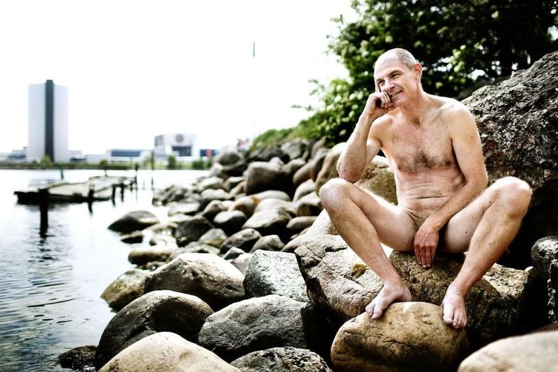 Lars Elstrup lubi występować w stroju Adama. /AFP