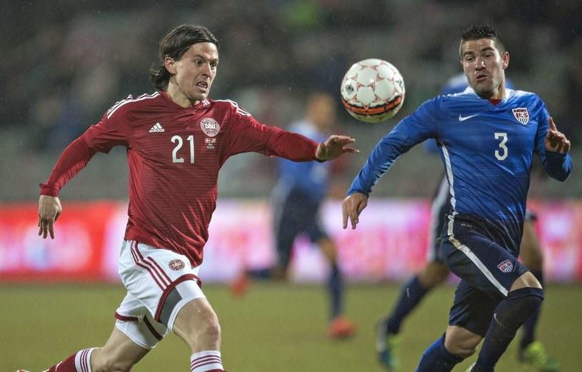 Lasse Vibe (z lewej) tu w koszulce reprezentacji Danii /AFP