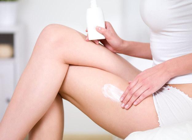 Latem skóra jest szczególnie narażona na wysuszenie /123RF/PICSEL
