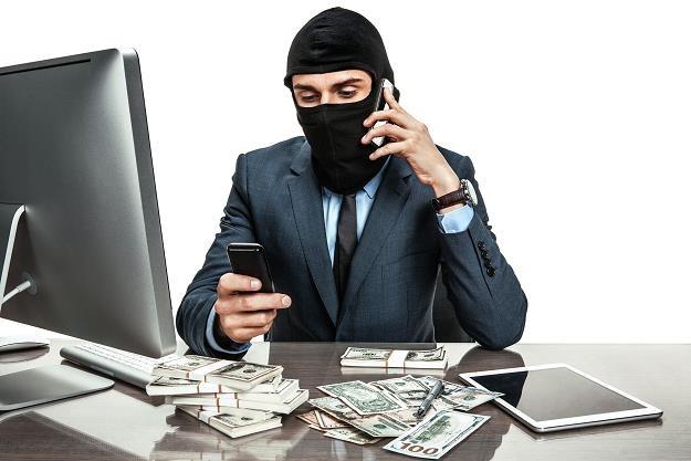 Łatwo zostać przestępcą podatkowym /©123RF/PICSEL