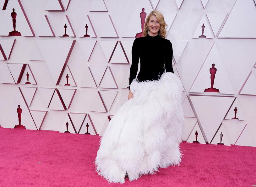 Laura Dern w sukni Oscara de la Renty /CHRIS PIZZELLO/AFP/East News /East News