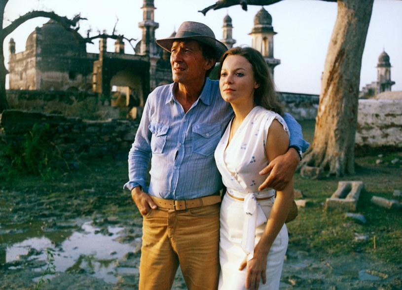"""Laura Łącz i Krzysztof Chamiec na planie filmu """"Kamienne tablice"""" (1983) /AKPA"""