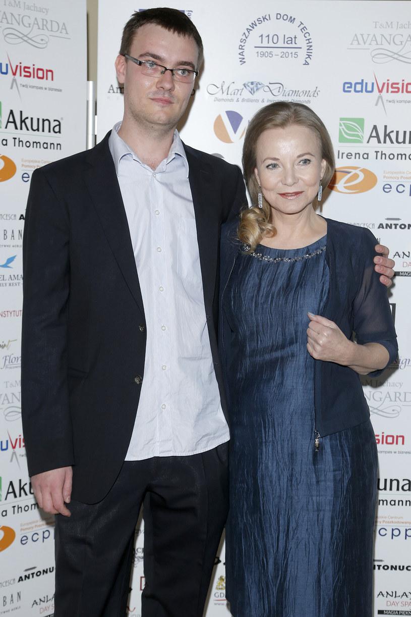 Laura Łącz z synem Andrzejem /Podlewski /AKPA