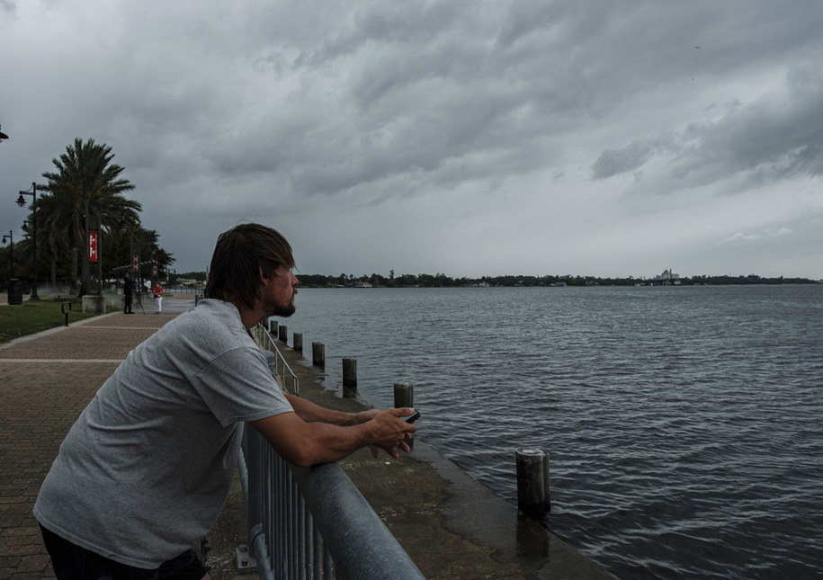 Laura przed uderzeniem w Teksas i Luizjanę huraganem czwartej kategorii /DAN ANDERSON  /PAP/EPA
