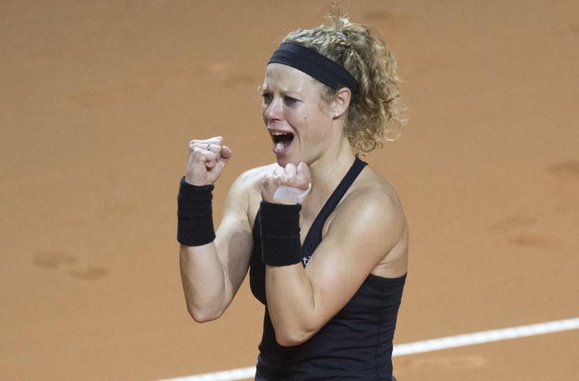 Laura Siegemund cieszy się z triumfu w Stuttgarcie /AFP