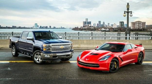 Laureaci nagród NCOTY 2014 - Silverado oraz Corvette Stingray. /Chevrolet