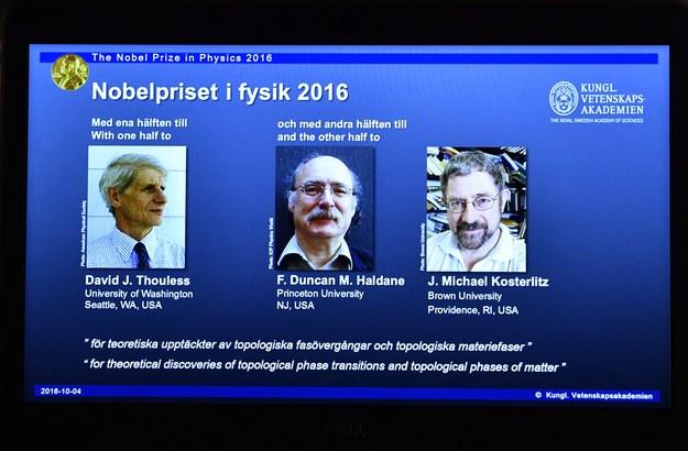 Laureaci tegotocznego Nobla w dziedzinie fizyki /ANDERS WIKLUND /PAP/EPA