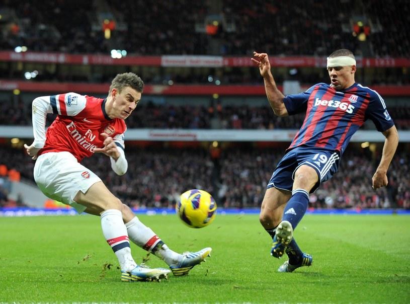 Laurent Koscielny jest na liście Barcelony i Bayernu Monachium /AFP